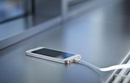 Một người đàn ông tử vong khi đang sạc iPhone trong phòng tắm