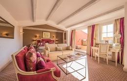 Bên trong khách sạn nổi tiếng ở Saint-Tropez hút sao Hollywood
