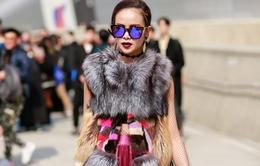 """""""Soi"""" bộ cánh thuần Việt siêu chất của Sella Trương tại Seoul Fashion Week"""