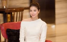 Không chỉ xinh đẹp, Hoa hậu Phạm Hương còn hát hay như thế này