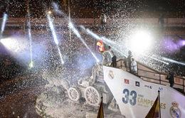 Thành Madrid ngập sắc trắng trong đêm hội đăng quang