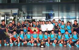 Đội tuyển U15 Việt Nam về nước trong sự hân hoan
