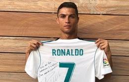 Nghẹn lời trước nghĩa cử Ronaldo dành cho fan nhí vừa tử nạn