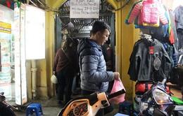Người Hà Nội xếp hàng trước quán bánh trôi của cố nghệ sĩ Phạm Bằng