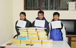3 kẻ vận chuyển 77 bánh heroin chống trả công an