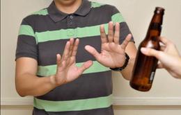 Bị ép uống rượu bia trong dịp lễ Tết: Từ chối khéo chả mất lòng ai