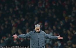 Cám ơn Mourinho và MU đã giải cứu Premier League