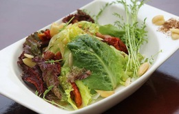 Ăn salad hàng ngày có thể giúp làm chậm lão hóa não