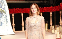 Emma Watson gây chú ý khi diện áo khoét cổ sâu khoe ngực đầy gợi cảm