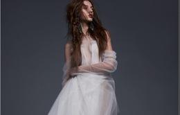 Các cô dâu cá tính chắc hẳn sẽ mê đắm những váy cưới này của Vera Wang!