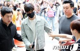 Fan tiếc hụi khi Lee Min Hoo chính thức nhập ngũ