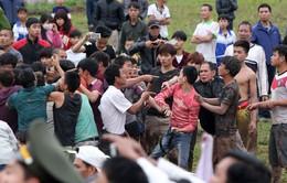 """Cách """"ứng xử"""" với lễ hội truyền thống nhìn từ sự cố ở Lễ hội chọi trâu Đồ Sơn"""