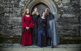 """Bộ ảnh gia đình siêu """"độc"""" lấy cảm hứng từ Game of Thrones"""