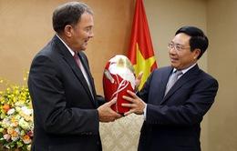 PTTg, Bộ trưởng Bộ Ngoại giao Phạm Bình Minh tiếp Thống đốc Bang Utah