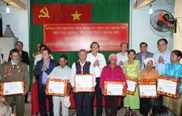 Phó Thủ tướng Trương Hòa Bình tặng quà Tết đồng bào các dân tộc thiểu số tại Đăk Lăk