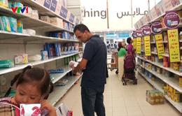 Người dân Qatar đổ xô mua thực phẩm dự trữ sau khi bị 5 nước cô lập