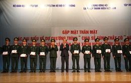 Tôn vinh các giáo viên quân hàm xanh