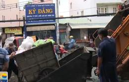 Xe chở rác làm rơi vãi ra đường sẽ bị phạt tối đa 10 triệu đồng