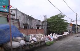 TP.HCM: Nguy cơ dịch bệnh, cháy nổ từ bãi phế liệu trong khu dân cư