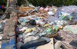 Đồng Nai: Người dân khốn khổ vì bãi rác tự phát trong khu dân cư
