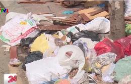 TP.HCM: Đổ trộm rác thải xây dựng ngay ở trung tâm thành phố