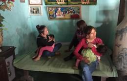 Bé gái 4 tuổi tâm lý bất ổn khi bị cô giáo nhốt trong nhà vệ sinh và bỏ quên