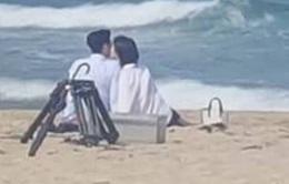 Suzy bị bắt gặp tình tứ bên trai đẹp Lee Jong Suk ở bờ biển