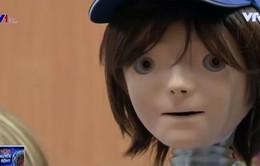 Kaspar - Robot giúp trẻ tự kỷ học kỹ năng xã hội