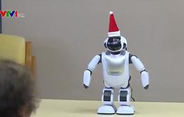 Robot giúp vui cho người cao tuổi ở Nhật Bản