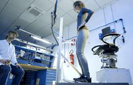 Robot tập vật lý trị liệu đa chức năng cho người