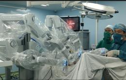 Lần đầu tiên phẫu thuật bằng robot bướu tiền liệt tuyến ác tính
