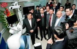 Lần đầu tiên Việt Nam ứng dụng robot phẫu thuật thay khớp và thần kinh