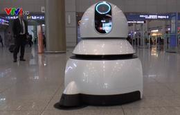 Robot phục vụ du khách tại sân bay Hàn Quốc