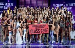 """""""Đau mắt"""" với độ nóng bỏng của Victoria's Secret Fashion Show 2017"""
