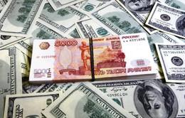 Đồng Ruble giảm xuống mức thấp nhất trong 4 tháng