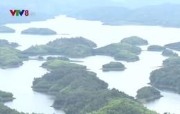 """Lòng hồ thủy điện tại Đắk Nông - """"Vịnh Hạ Long thu nhỏ"""" trên cao nguyên"""