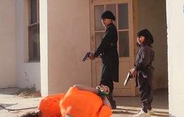Hãi hùng cảnh chiến binh IS nhí hành quyết con tin