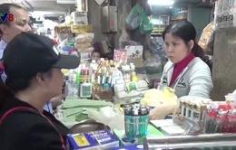 TT-Huế: Tràn lan rượu không nguồn gốc tại chợ Đông Ba