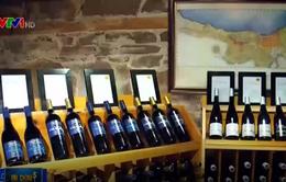 Rượu vang - Cuộc chiến thương mại mới giữa Mỹ và Canada