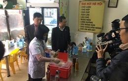 Hà Nội truy tìm cơ sở kinh doanh rượu khiến 4 người ngộ độc nặng
