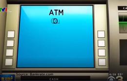 Phí rút tiền ATM tăng kỷ lục liên tiếp trong 11 năm