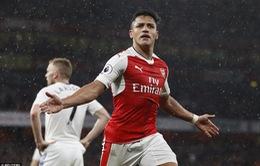 Đá bù vòng 34 giải Ngoại Hạng Anh: Sanchez tỏa sáng, Arsenal nuôi hi vọng Champions League