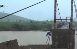 Sập mố cầu treo ở Đăk Lăk, gần 1.200 hộ dân bị cô lập