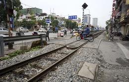 Hành lang an toàn đường sắt bị xâm phạm nghiêm trọng