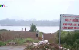 Báo động tình trạng sạt lở ven sông Đuống