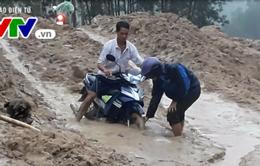 Sạt lở núi kéo dài ở vùng cao Quảng Ngãi đe dọa cuộc sống người dân