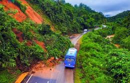 Điện Biên: Sạt lở gây ách tắc Quốc lộ 279
