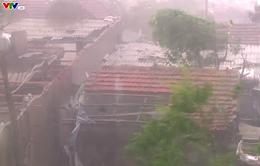 Tâm bão đang ở ngay khu vực các tỉnh Hà Tĩnh - Quảng Bình