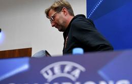 """HLV Jurgen Klopp nổi giận rời buổi họp báo vì câu hỏi """"lạc quẻ"""""""