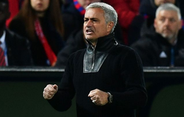 Thắng đậm tại Champions League, Mourinho tố Man Utd bị chèn ép